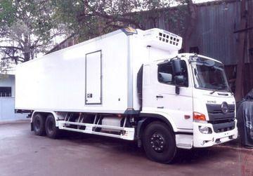 GIÁ XE HINO 3 CHÂN THÙNG ĐÔNG LẠNH 9.3 M 0